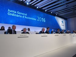 CaixaBank aprova repartir un dividend complementari de quatre cèntims per acció (EUROPA PRESS)