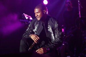 Usher se desnuda en Snapchat y falla en el intento de taparse lo más íntimo