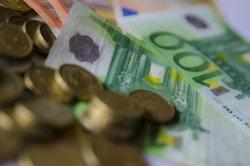 La balança per compte corrent va registrar un dèficit de 2.100 milions fins al febrer, un 12,5% menys (EUROPA PRESS)