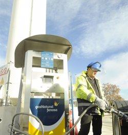 Gas Natural Fenosa i Petronieves faran la primera estació de GNL per a camions de Bcn (GAS NATURAL FENOSA)