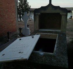Investiguen unes tombes profanades al cementiri de Castelldans (Lleida) (AJUNTAMENT DE CASTELLDANS)