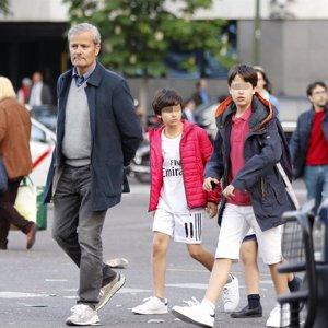Javier Merino olvida sus problemas con Mar Flores en el Bernabéu