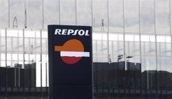 Repsol guanya 434 milions fins a març i aconsegueix un benefici net ajustat de 572 milions (EUROPA PRESS)
