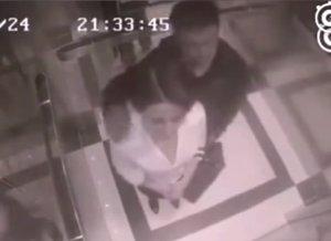 Una mujer da una paliza a un acosador en un ascensor