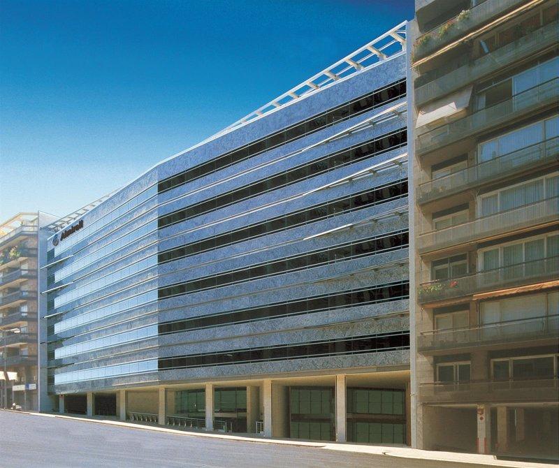 El precio de las oficinas sube un 5 hasta marzo seg n for Unicaja barcelona oficinas