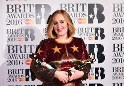 Adele aterra al Sant Jordi amb la gira de '25' i les entrades exhaurides (IAN WEST)