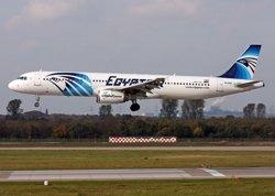 El cap dels forenses egipcis nega que l'anàlisi preliminar apunti a una explosió a bord (EGYPTAIR)