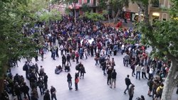 Successos.- Mossos carreguen contra manifestants pel desallotjament del 'Banc Expropiat' (EUROPA PRESS)