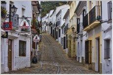 Los habitantes de municipios pequeños, más pesimistas con su situación económica (PEXELS)