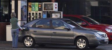 El gasóleo y la gasolina repuntan esta semana su precio hasta nuevos máximos anuales (EUROPA PRESS)