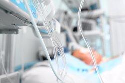 Ingressat a l'UCI un nen de quatre anys després de caure-li a sobre una portalada al col·legi a Níjar (Almeria) (ATS)