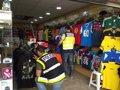 Sucesos.- Detenidas 32 personas en Benidorm por la comercialización de más de 6.000 productos falsos