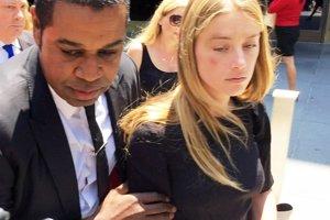 Primeras imágenes de Amber Heard con la cara magullada a su salida de la Corte de Justicia