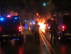 Mossos demanen set anys de presó per a quatre manifestants de Can Vies per ferir un agent (EUROPA PRESS)