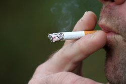 Quatre aplicacions gratuïtes que t'ajudaran a deixar de fumar (CC/PIXABAY)
