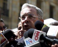 Uribe descarta reunirse por el momento con 'Timochenko' (REUTERS)