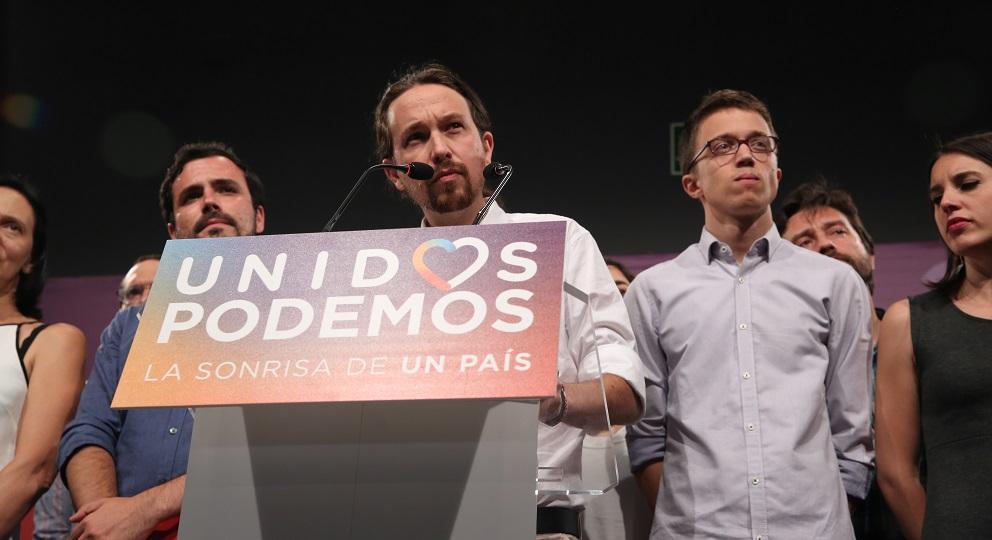Pablo Iglesias votando