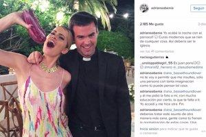 La respuesta de Adriana Abenia a la polémica de su foto con el párroco