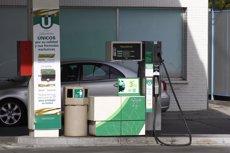 La gasolina y el gasóleo arrancan el verano con sus precios más bajos en 6 años (EUROPA PRESS)