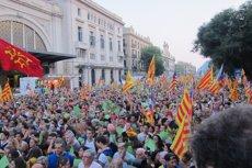 Un 47,7% de catalans vol la independència per un 42,4% que la rebutja, segons el CEO (EUROPA PRESS)