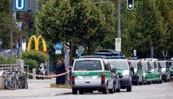 El Govern alemany decreta un dia de dol nacional per l'atac de Munic (MICHAEL DALDER/REUTERS)