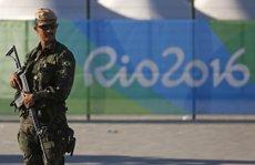 Detingut al Brasil l'últim dels 12 presumptes terroristes que pretenien atemptar a Rio (PILAR OLIVARES/REUTERS)