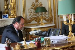 Hollande augura una