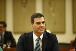 Sánchez crida a Rajoy i li dóna el seu suport per exigir el compliment de la llei després del