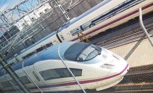 Iberdrola y Endesa se reparten el 'macrocontrato' de la luz a la red ferroviaria (EUROPA PRESS)