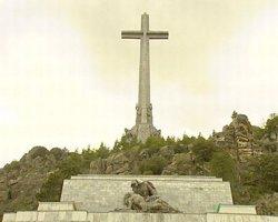 Garzón demana al Tribunal Suprem que es traslladin els cossos de Franco i Primo de Rivera del Valle de los Caídos (EUROPA PRESS)