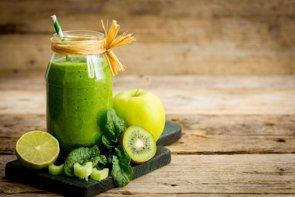 Descubre los beneficios de tomar zumo de frutas (PILIPPHOTO)