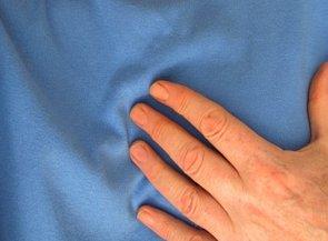 Tener dinero y estar casado se asocia con un menor riesgo de sufrir un ataque al corazón (PIXABAY)