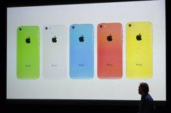 Brussel·les obliga Apple a tornar 13.000 milions per ajudes fiscals il·legals a Irlanda (STEPHEN LAM / REUTERS)