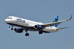 Aterra a Cuba el primer vol comercial procedent dels EUA en més de mig segle (GOOGLE)