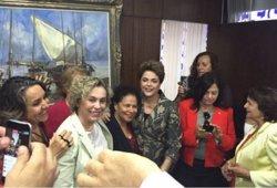 El Senat rebutja la inhabilitació contra Rousseff, que podrà exercir càrrecs públics (TWITTER/ROSA MARIA FLORES)