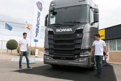 Els germans Márquez debuten en la conducció de camions amb Scania (SCANIA)