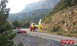Rescaten en helicòpter un motorista caigut per la vessant d'una muntanya a Lleida (BOMBERS DE LA GENERALITAT)