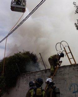 Localitzen un cadàver carbonitzat després de l'extinció d'un incendi a Sevilla (EUROPA PRESS/AYUNTAMIENTO DE SEVILLA)
