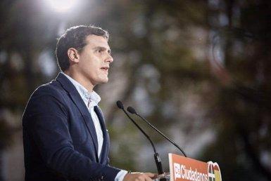 """Rivera diu al PSOE que no és moment de """"batalles internes"""" i l'insta a negociar l'abstenció amb el PP (C'S)"""