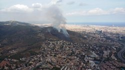 Successos.- Extingit l'incendi a Collserola després de cremar 10 hectàrees (BOMBERS DE LA GENERALITAT)