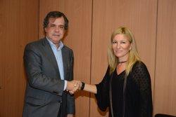 Rubí i Sorea signen un conveni per evitar els talls del subministrament (JORDI GARCIA/LOCALPRES)