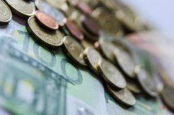 La taxa d'estalvi de les llars escala al 16,1% el segon trimestre per l'augment de la renda (EUROPA PRESS)