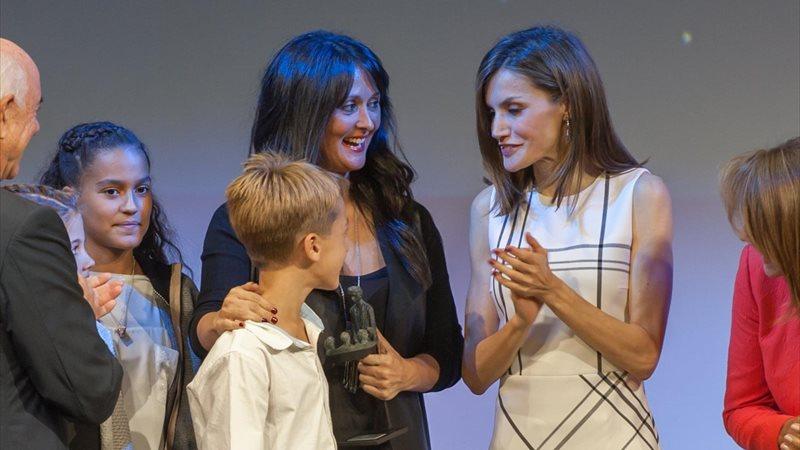 Reina Letizia, volcada de nuevo con los niños