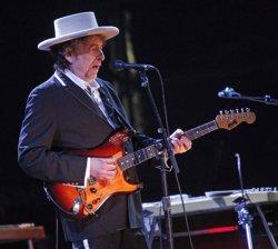 Bob Dylan es reconeix com a premi Nobel de literatura en la seva web i després rectifica (CORDON PRESS)