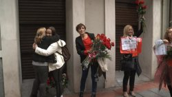 Centenars de persones demanen el 'no' a Rajoy davant de la seu de Ferraz (EUROPA PRESS)