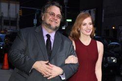 Guillermo del Toro serà el padrí del Festival de Sitges 2017 (GUILLERMO DEL TORO Y JESSICA CHASTAIN/ EUROPAPRESS)