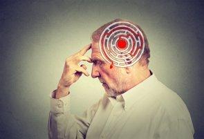 """El cerebro se vuelve """"más flojo"""" con la edad (GETTY)"""
