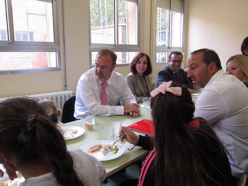 Educaci n beca a usuarios de comedor escolar for Becas comedor barcelona