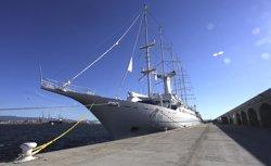 El Port de Tarragona rep el creuer de luxe Wind Surf per quarta vegada aquesta temporada (LLUIS MILIAN /PUERTO DE TARRAGONA)