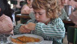 Ensenyament atorga 84.049 beques menjador, 15.890 més que el començament del curs passat (CREU ROJA CATALUNYA)